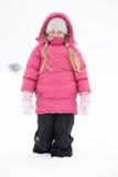 leka snow för flicka Royaltyfri Foto