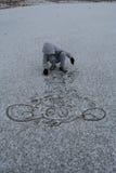 leka snow för pojke Royaltyfri Fotografi