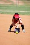 leka softball för flicka Royaltyfria Bilder