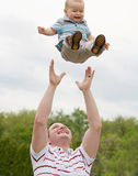 leka son för fader Royaltyfri Bild