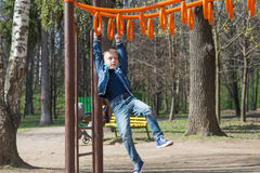 Leka sportar för pojke Arkivfoton