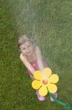 leka sprinkler arkivbilder