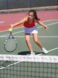 leka tennisbarn för flicka Royaltyfri Bild