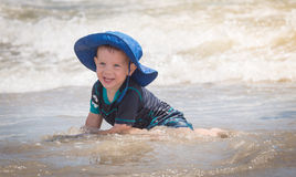 leka vatten för barn Royaltyfria Bilder
