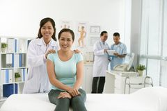 Lekarka i pacjent w szpitalu Obraz Royalty Free