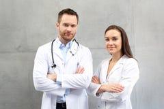 Lekarka i pielęgniarka obraz royalty free