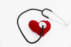 Lekarka stetoskop słucha zdrowy czerwony serce Zdjęcia Royalty Free