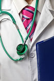 Lekarka z stetoskopem i falcówką Obraz Stock