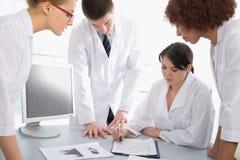 lekarki grupują potomstwa zdjęcie royalty free