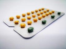Lekarstwo i opieki zdrowotnej pojęcie Oralnego antykoncepcyjny lek 24 y obrazy royalty free