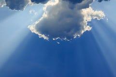 Lekcy promienie bóg na niebieskim niebie Obrazy Stock