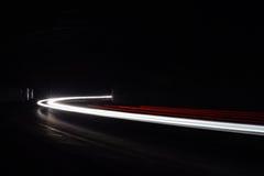 Lekcy tralight ślada w tunelu Długa ujawnienie fotografia w tunelu Obraz Royalty Free