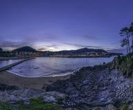 Lekeitio von der Insel Lizenzfreie Stockfotos