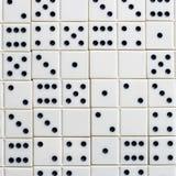 Leken av domino, utvecklingen av logik för barn och vuxna människor Royaltyfri Fotografi