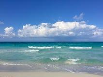 Lekka kipiel na Atlantyckim wybrzeżu, Kuba, Varadero obrazy stock
