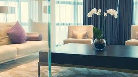 Lekki i wygodny pokój hotelowy zbiory wideo