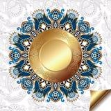Lekki kwiecisty tło z złocistym okręgu wzorem Zdjęcia Royalty Free