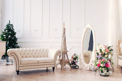 Lekki pokój i elegancki biały wnętrze Zdjęcie Stock