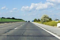 Lekki ruch drogowy na drugi autostradzie Zdjęcia Royalty Free