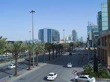 Lekki ruch drogowy na królewiątka Fahad Drogowym wczesnym poranku W Riyadh Obraz Royalty Free