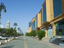 Lekki ruch drogowy na Tahlia ulicie W Riyadh Obrazy Stock