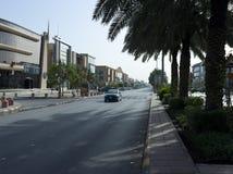 Lekki ruch drogowy na Tahlia ulicie W Riyadh Fotografia Royalty Free