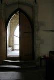 Lekki shing na krokach na starym kościół Obrazy Royalty Free