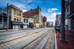 Lekkie linie kolejowe wzdłuż Howard ulicy w Baltimore, Maryland Obraz Royalty Free