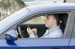 Lekkomyślnie kierowcy niebezpieczeństwo. obrazy stock