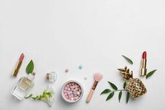 Lekmanna- sammansättning för lägenhet med kosmetiska produkter arkivfoto