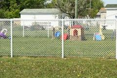 Lekplats utanför staketet Arkivbilder