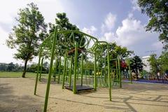 Lekplatsen i ett utomhus- parkerar royaltyfria foton
