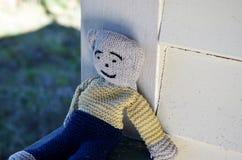 Leksak för björn för barn` s woolen stucken kelig arkivfoton