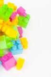 Leksak som bygger färgrika kvarter royaltyfri foto