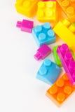 Leksak som bygger färgrika kvarter royaltyfri fotografi