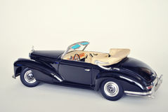 Leksakbilmodell Mercedes-Benz 300S 1955 Royaltyfria Foton