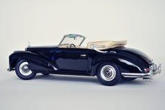 Leksakbilmodell Mercedes-Benz 300S 1955 Royaltyfri Bild