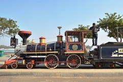 Leksakdrevmotor på Kankaria sjön, Ahmedabad Arkivbild