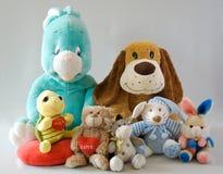 Leksaker - gladlynt familj Arkivbild