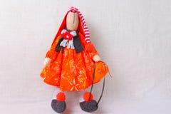 Leksaker kaniner, kaniner, easter som är handgjord Royaltyfri Bild