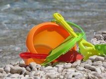 Leksaker på havet Arkivbild