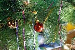 Leksaker på julträdet Royaltyfri Fotografi