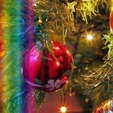 Leksaker på julträdet Garneringar för nytt år royaltyfri bild