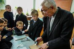 Lektion in der Grundschule in der Kaluga-Region (Russland) Lizenzfreies Stockbild