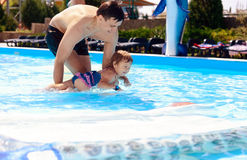 Lektionen der Schwimmens Stockfotografie
