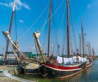 Lelystad Nederländerna april 11 2018, gammalt träseglingskepp Fotografering för Bildbyråer