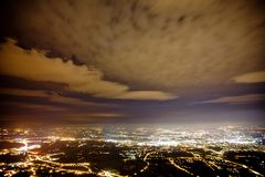 Lemański miasto przy nocą Szwajcaria, architektura, szwajcarscy citylights, punkt zwrotny, krajobraz, chmurny niebo, miastowy, li obraz stock