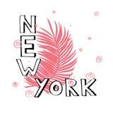 Lema de la tipografía con las hojas tropicales Vector dibujado mano de Nueva York para la impresión de la camiseta Fotografía de archivo libre de regalías
