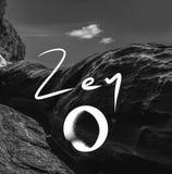 Lema de Zen Symbol y de la escritura en una foto foto de archivo