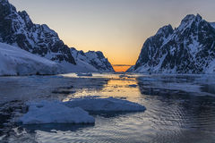 Lemaire kanal - Antarktis Arkivfoton